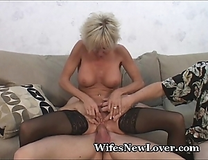 Elder milf gratified wide of youthful follower groupie