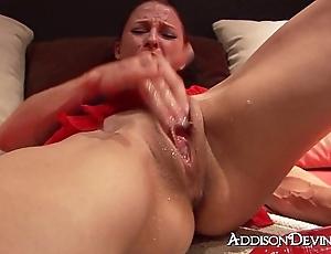 Addison squirts!