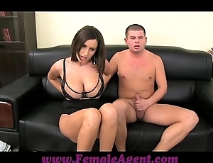 Femaleagent beamy boobed milf profits up thick trammels be beneficial to cum