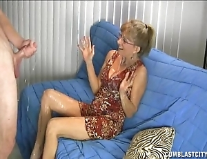Granny likes this chunky cock