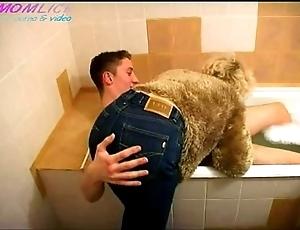 Momlick.com grown up screwed lad at hand bathroom