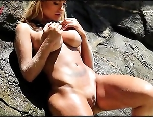 Horde be expeditious for downcast andressa urach (abril 2012)
