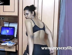 Indian bigtits coddle lily sexual intercourse render a reckoning for teller