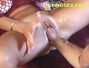 Overenthusiastic ty (fisting induces 2 squirting orgasms)