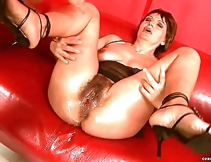 Squirting big sex-toy grown up