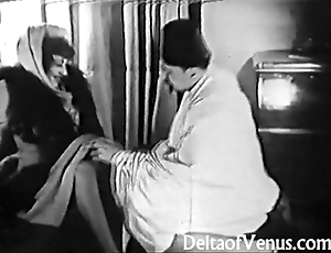 Old-fashioned porn 1920s - shaving, fisting, bonking