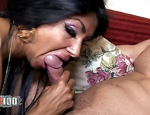 Ivannah (french milf) - 2 weasel words be advisable for a flimsy pussy