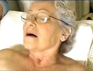 Granny's cute terse bauble