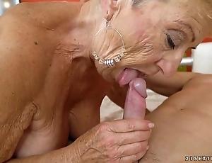 Venerable granny fucks rub-down the juvenile technician - lubricious grandmas
