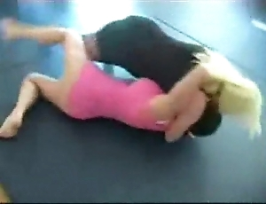 Russian catfight girlfight indoor wrestling sexfight 001