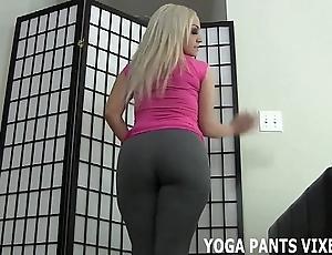 Let me to u a handjob because of my yoga panties made u all steadfast joi